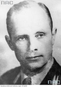 por. Józef Zabielski foto. wikipedia.pl