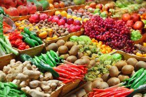 żywność / targ / owoce / ważywa /