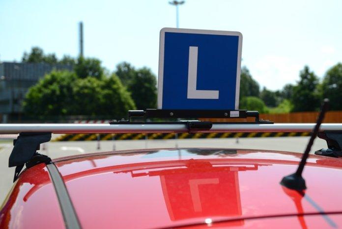 Egzaminator zmarł potrącony podczas egzaminu na prawo jazdy.
