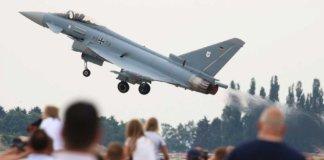Myśliwce zderzyły się w powietrzu w mieście graniczącym z Polską