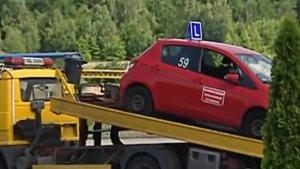 Egzaminator zmarł potrącony podczas egzaminu na prawo jazdy. Kursantka może dostać od sześciu miesięcy do ośmiu lat więzienia.