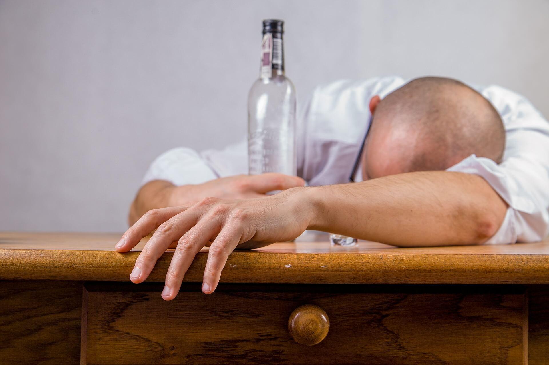 alkoholizm, alkohol, piwo, uzależnienia, uzależnienie, nauka, biologia, genetyka, geny, wino, whisky, psychologia