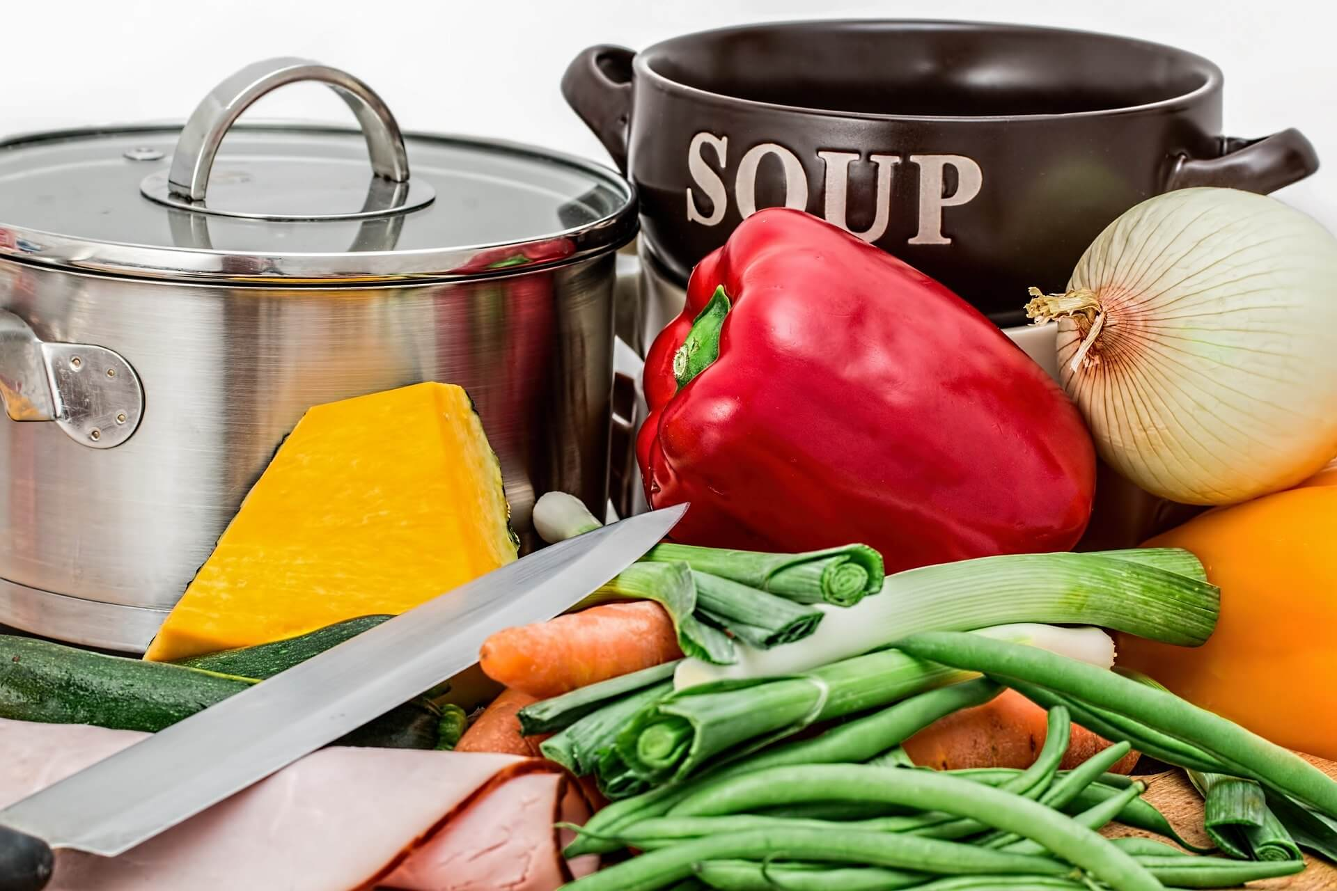 zupy, gotowanie, kuchnia, zupa, jesień, jesienne przepisy, potrawy, dania, restauracja, warzywa, jesienne klimaty, zdrowy styl życia, zdrowie, dieta, niskokaloryczne produkty, przyprawy, przepis na zupę
